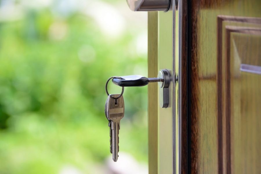 Los Angeles real estate blog - a key in a door