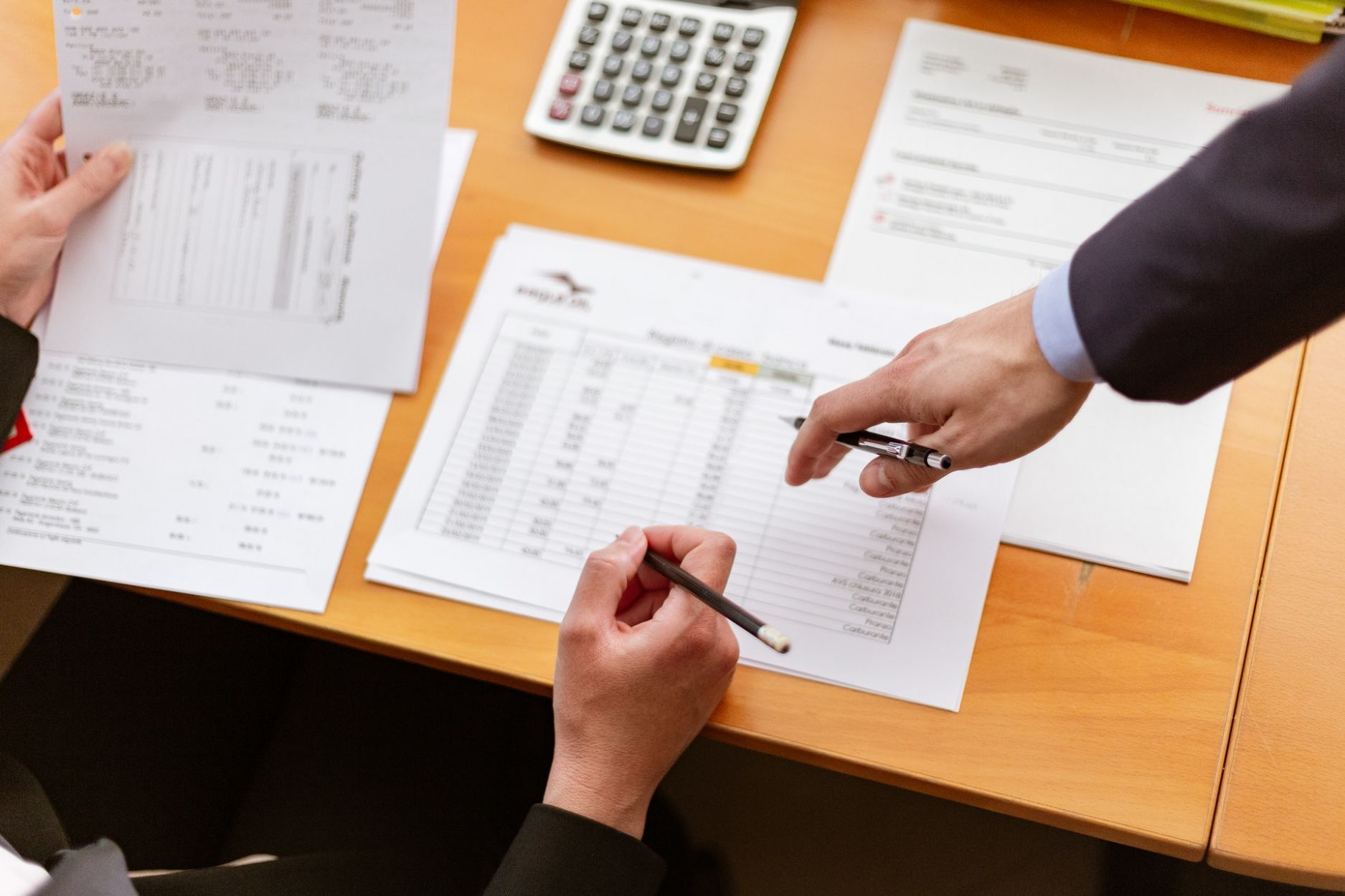 Los Angeles real estate blog - People doing accounting